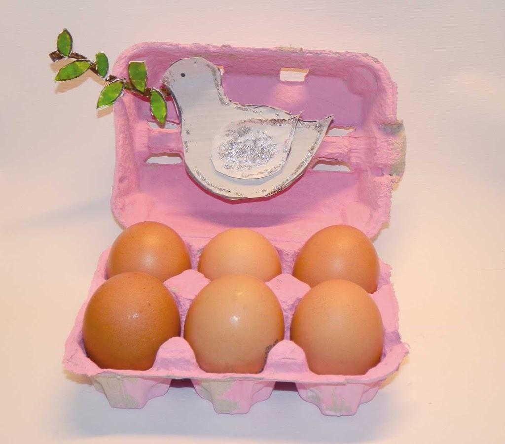 Il porta uova di pasqua con la colomba elegraf grafica for Porta uova