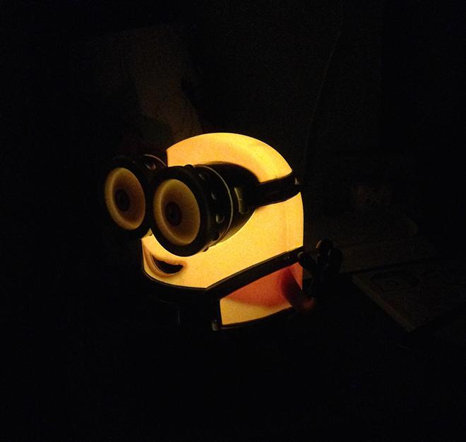 Varta-bob-luce-minion-cameretta